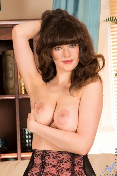 Kate Anne Nakedbeach Amaging Naturalpussy Picture Hairy Pussy Women Pictures