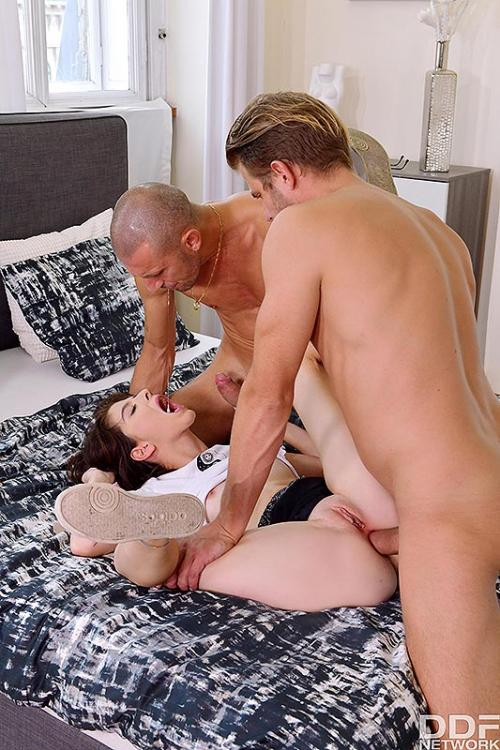 Sara Bell Diddylicious Fucking Best College Blowjob