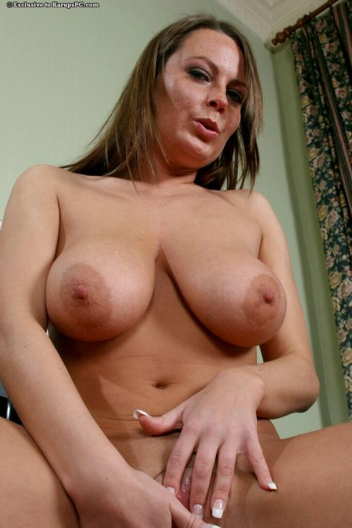 Alexis May open pussy pics great shaved pussy
