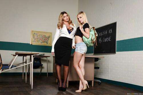 Brooklyn Chase and Alex Grey sexy muslim schoolgirls fuck latina stockings
