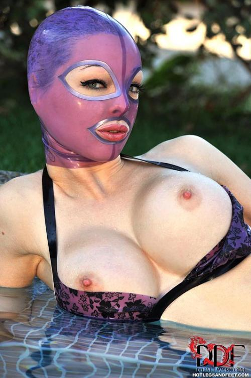 Latex Lucy fetish sex clubs outdoor xxl body porn