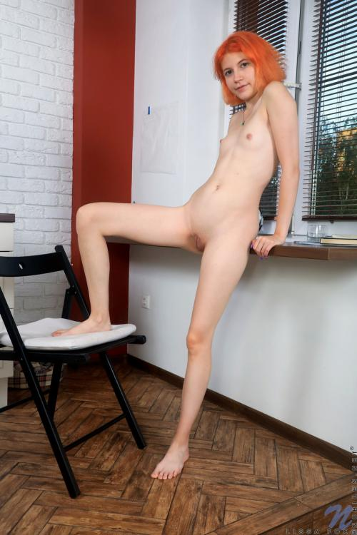 Lissa Fox sexy short hair asian dominican woman shaved pussy