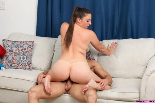 Melanie Hicks emo anal girl boy reluctant wife sex