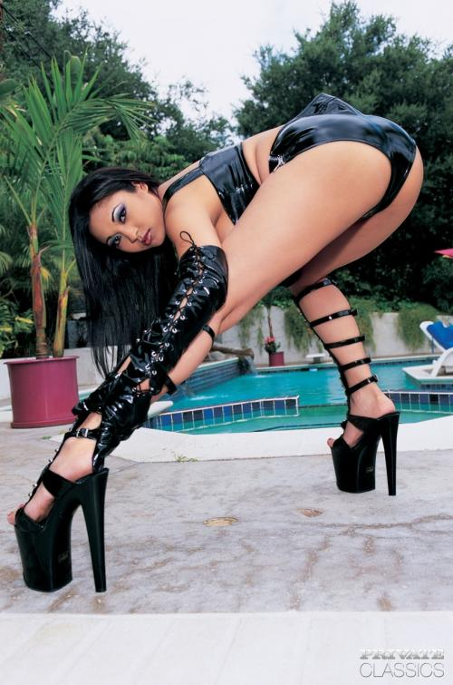 Mika Tan and Cameron James and Jada Fire and Venus and Victoria Givens group shower sexy hot filipino with white girls